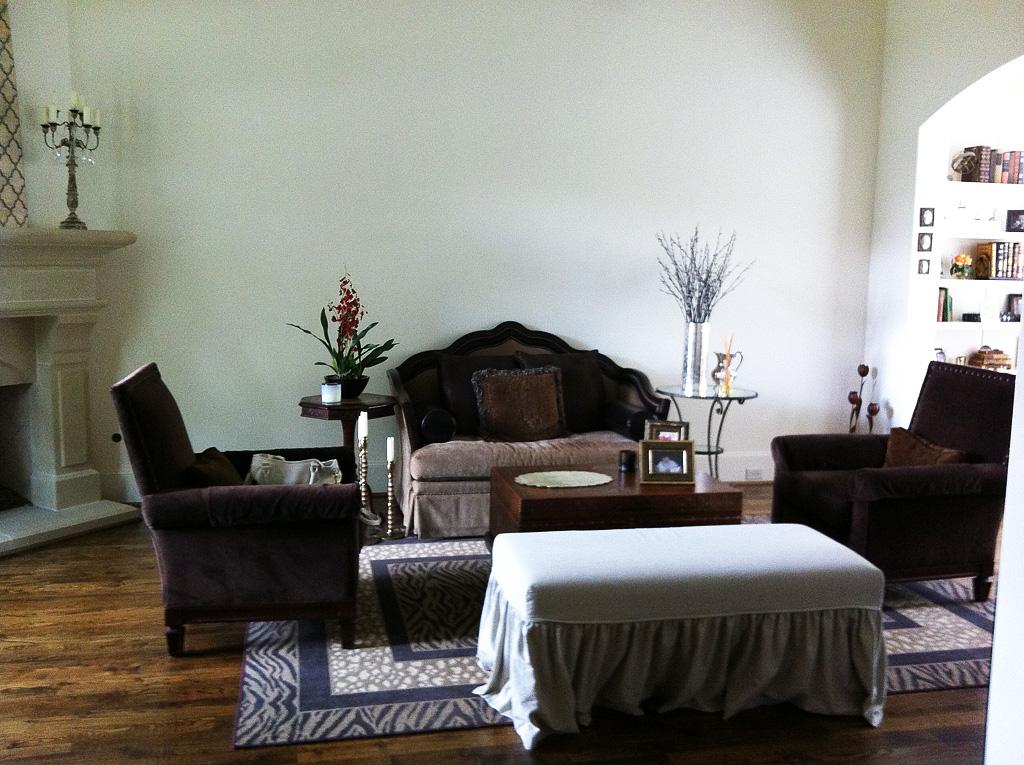 Amherst-Living-Room-Before-01.jpg
